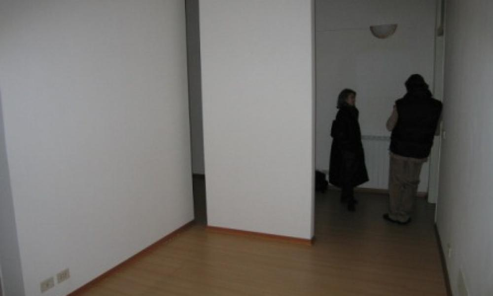 img in gallery